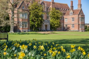 Mapledurham House exterior with flowers 0290 LOW RES